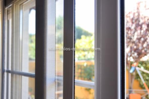 Cerramiento jardín aluminio / Aluminios Moreno